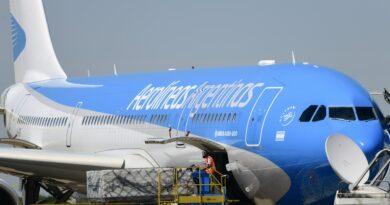 AHORA Llegó al país el avión que trae 300 mil dosis de la vacuna Sputnik V
