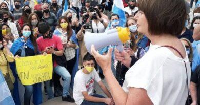 """Roberto Navarro: """"El genocidio de Patricia Bullrich y los periodistas opositores"""""""