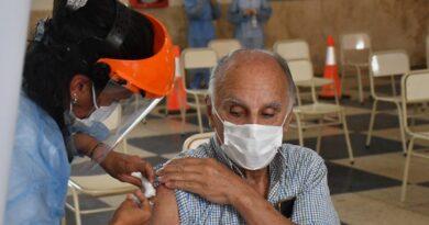 Vacunación en Córdoba: robaron 20 dosis de un centro de salud